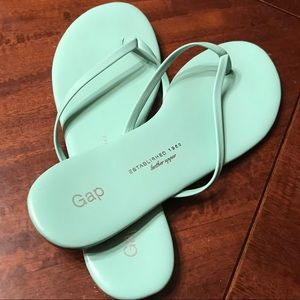 NEW! GAP Leather Sandals. So cute!!
